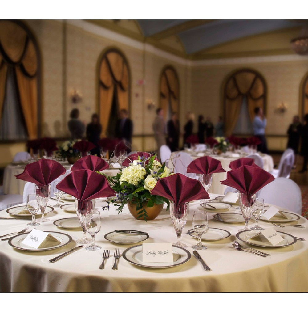 120 round signature plus table linen for 120 table linen